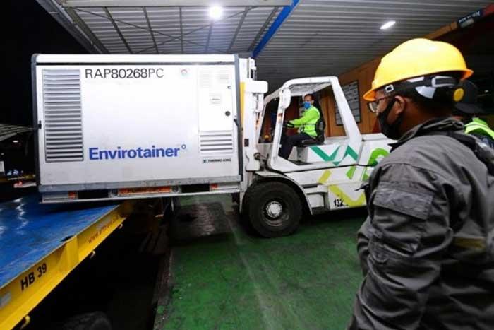 11 juta Vaksin Tiba di Bandara Soetta