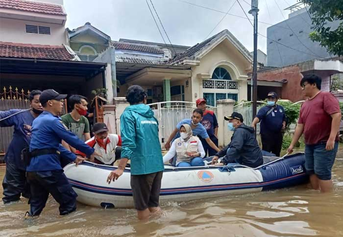 Bupati dan Sekda Kabupaten Tangerang Tinjau Lokasi Banjir