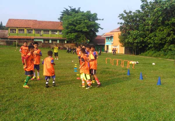 SSB Junior C7S ssb junior c7s SSB Junior C7S Berharap Pemerintah Membantu Pengembangan SSB di Kecamatan Tigaraksa SSB Junior C7S
