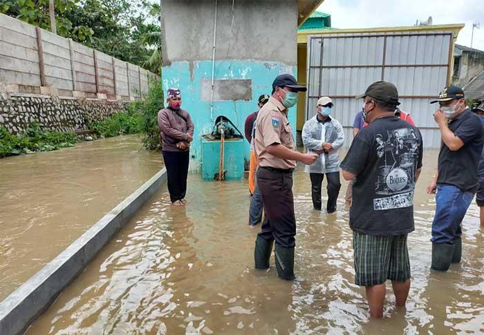 Sekda Kabupaten Tangerang Tinjau Lokasi Banjir bupati dan sekda kabupaten tangerang tinjau lokasi banjir Bupati dan Sekda Kabupaten Tangerang Tinjau Lokasi Banjir Sekda Kabupaten Tangerang Tinjau Lokasi Banjir