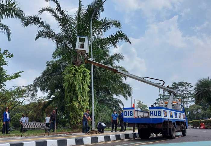 Percantik Kawasan Pemkab Tangerang, 10 Titik Tiang Lampu PJU Dipindahkan